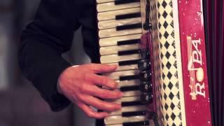Edmondo Comandini e Roberto Scaglioni - Fuego (1954, Celebre tango per fisarmonica) Video ufficiale