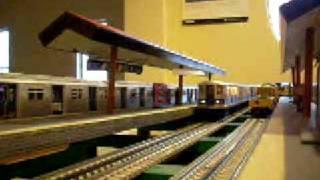 mth mta nyc subway r42 d train subway set
