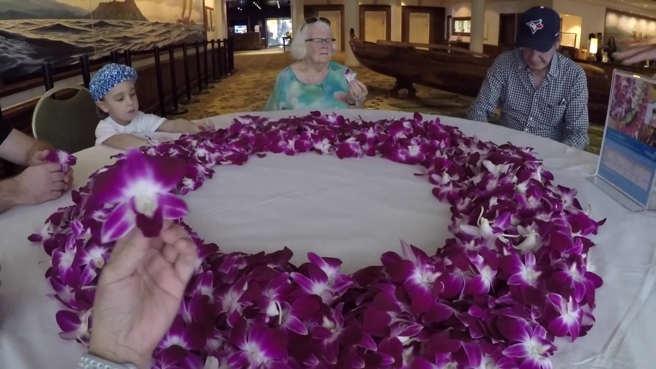 How To Make A Lei Hawaiian Flower Garland Youtube
