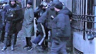 Un policier assomme un homme interpellé et menotté - Gilets jaunes - Acte 11 - Bastille - 26/01/2019