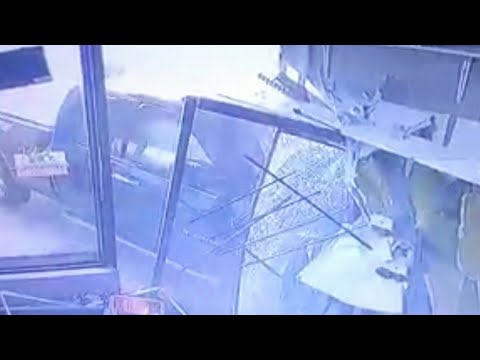 Caught on camera: Pickup truck crashes into Ont. storefront