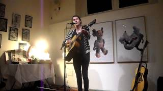 Rachel Sermanni Performs Burger Van Song Live In Milano (santeria) Hq