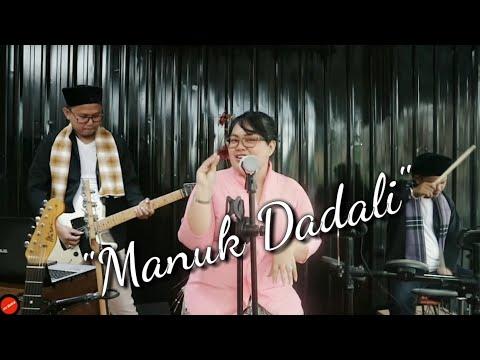 LAGU DAERAH SUNDA - MANUK DADALI (COVER) Dildil