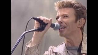 David Bowie & Nine Inch Nails: Dissonance, live 1995 (HD)