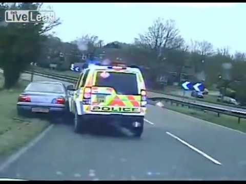 Guy calls 999 while chased by police, asks them to stop following him