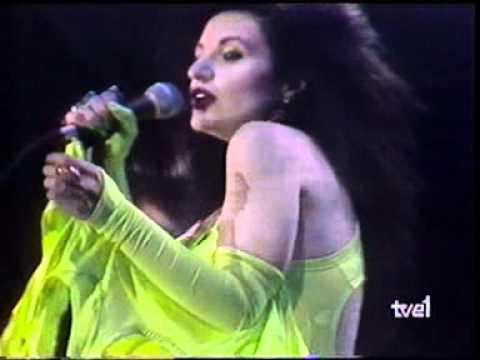 "Alaska y Dinarama ""Quiero ser santa"" from YouTube · Duration:  3 minutes 23 seconds"