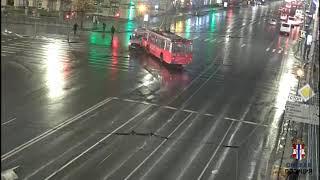 Фото Троллейбус и маршрутка с пассажирами не поделили перекресток: Момент ДТП в Омске