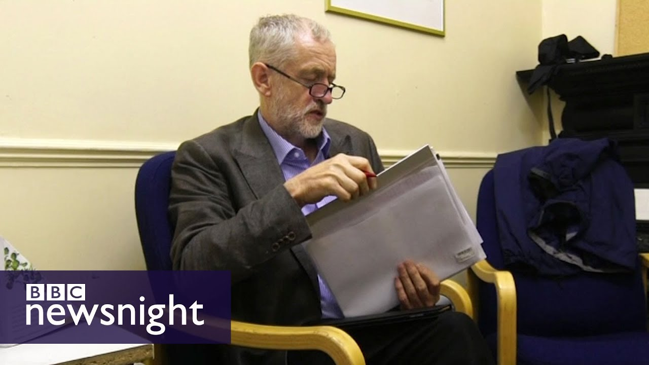 Behind the scenes with Jeremy Corbyn - Newsnight - YouTube