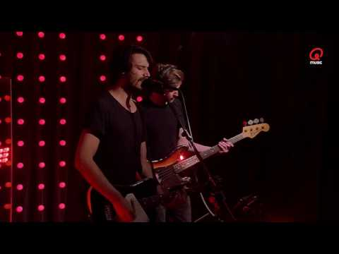 The BSMNT: Faces On TV - Love / Dead (Live bij Q)