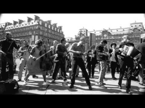 17 Hippies - Tarantella