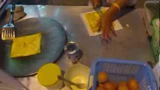 Блины с бананом и яйцом. Таиланд, Паттая.