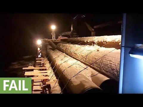 Load straps break, tons of cargo sent overboard