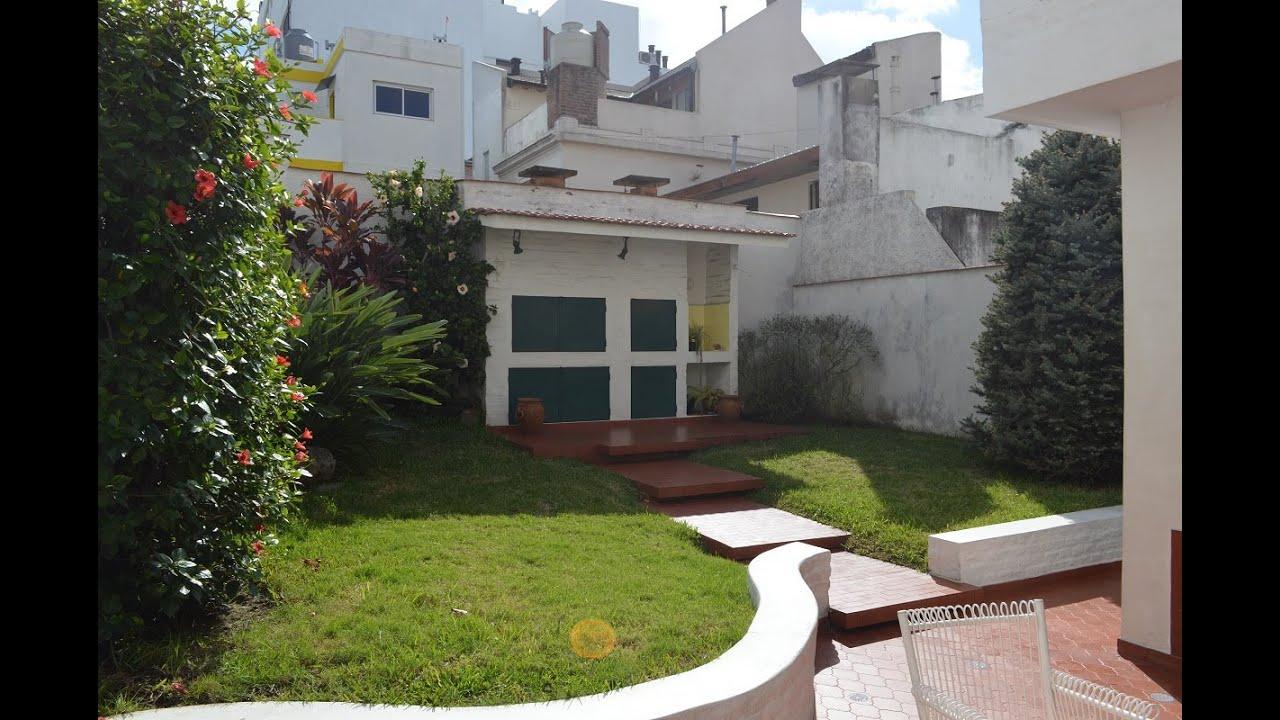 Devoto venta casa 4 amb en 2 plantas c cochera jardin for Decorar un porche con plantas