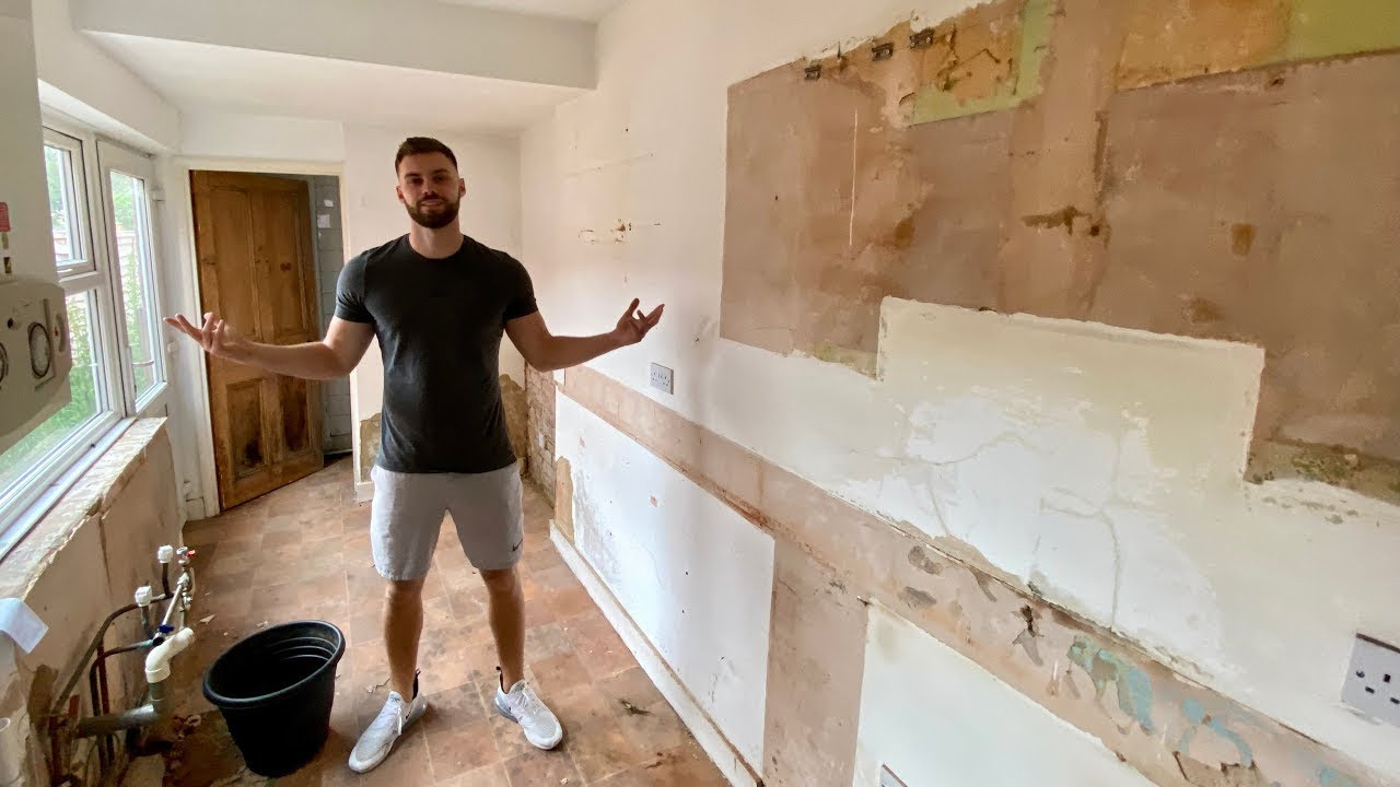 The kitchen is gone!! 🤪 Exciting updates on our latest investment property! 🏠 (VLOG 2)