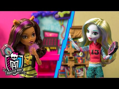 Monster-Sitting with Lagoona Blue | Spring Into Action | Monster High