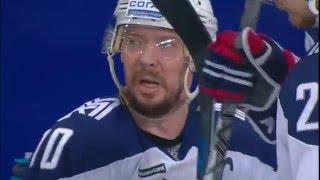 Sergei Mozyakin misses the net wide opened