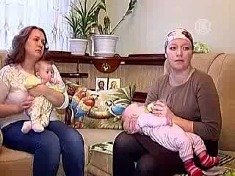 Девочки, которых перепутали в роддоме, живут в одной семье