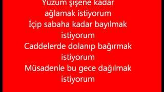 Dağılmak İstiyorum - Model FEAT Ozan Doğulu + şarkı sözleri