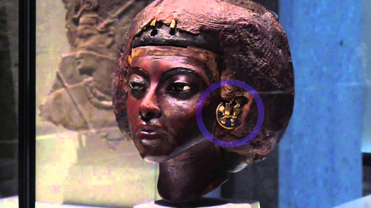 Download Portrait head of Queen Tiye with a crown of two feathers