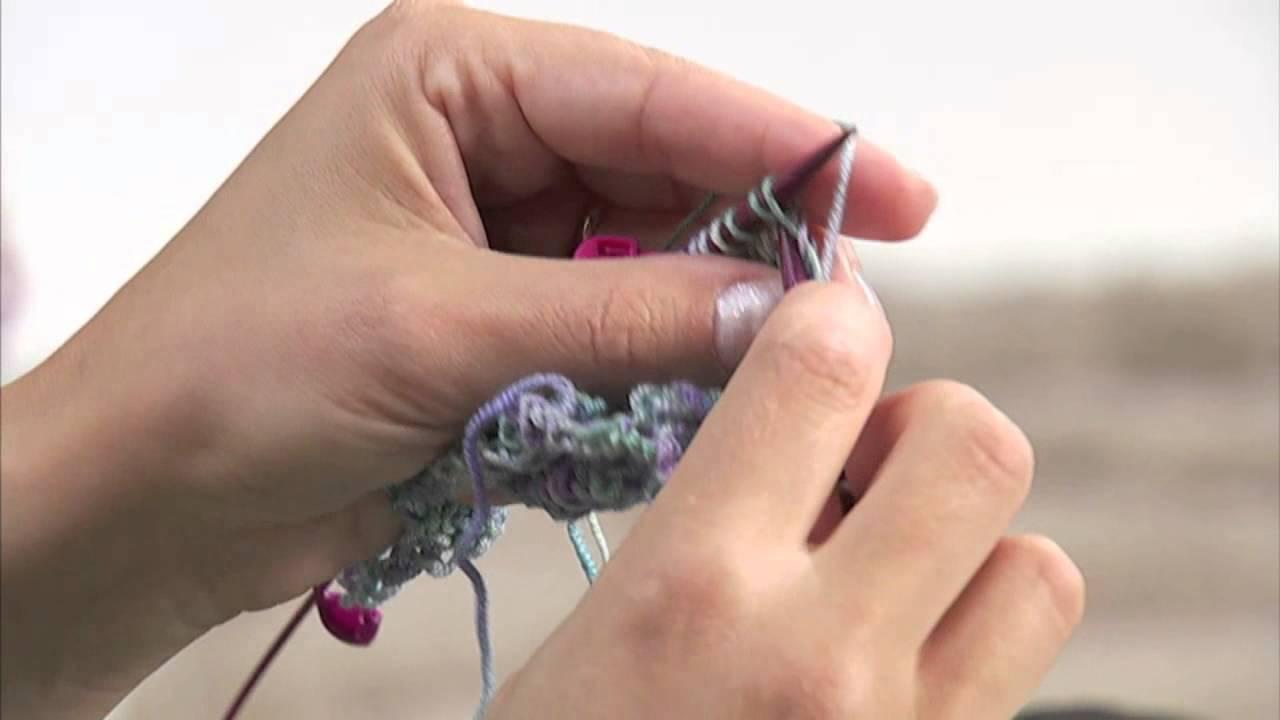la moda più votata San Francisco godere di un prezzo economico Realizzare uno scialle a maglia/3 Presenta Emma Fassio