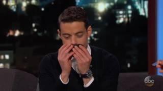 Rami Malek se pone el bigote de Freddie Mercury