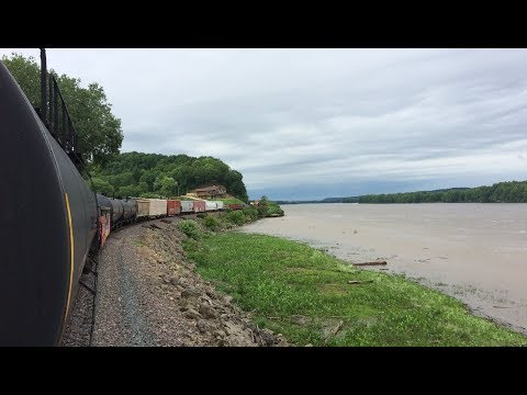 Davenport, IA to St Paul, MN - Trainhopping the Mississippi River