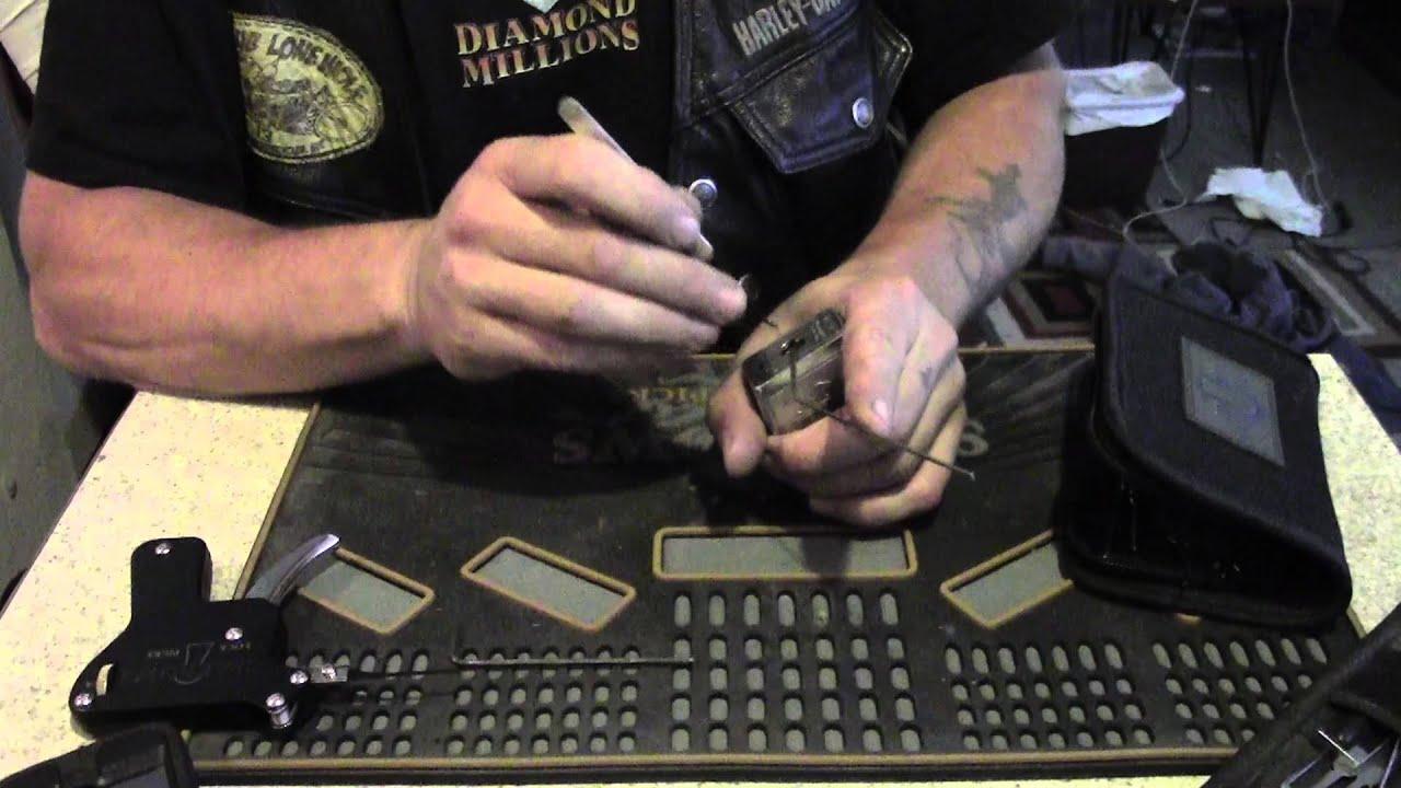 HD padlock picked open Beginners lesson ™Sparrows Lock Picks
