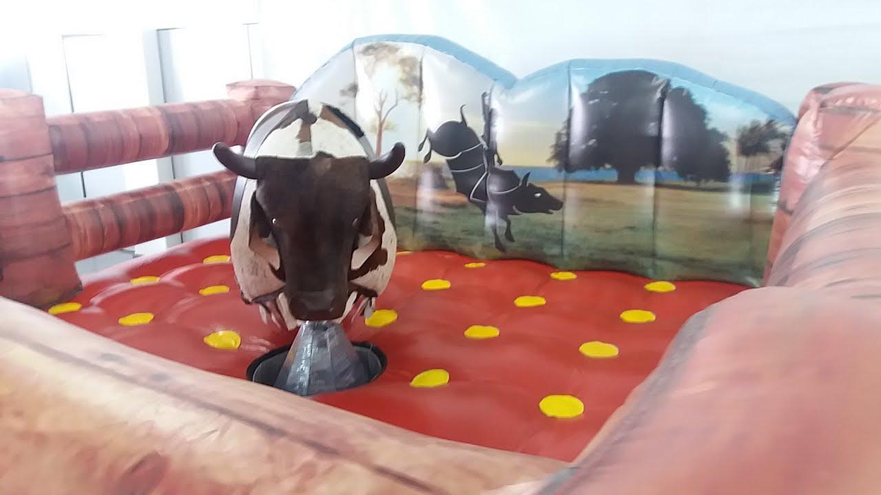 Locação de touro mecânico para festa e eventos