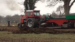 MF 1135 Tractor Pulling-Mullahead