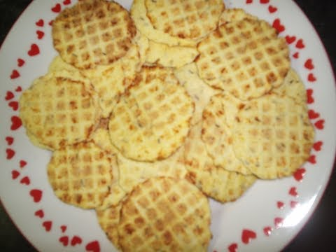 CHEESE CRACKERS, HOMEMADE CHEESE CRACKERS RECIPE, HOW TO MAKE CHEESE PIZELLES, ITALIAN PIZZELLE