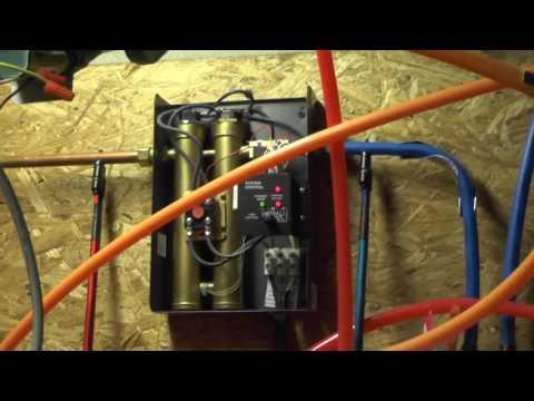 Rheem RETE-13 tankless water heater operation - YouTube on