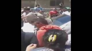 بشار الأسد بسيارة بيضاء في حمص