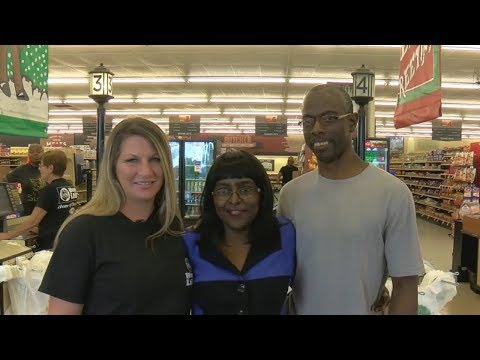 Mississippi Cashier Donates Kidney To Regular Customer's Wife