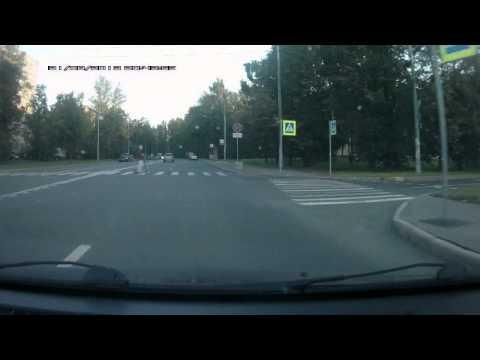 Кто имеет преимущество на пешеходном переходе?