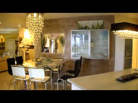 Video interieur villa cocoa youtube for Villa de luxe moderne interieur chambre