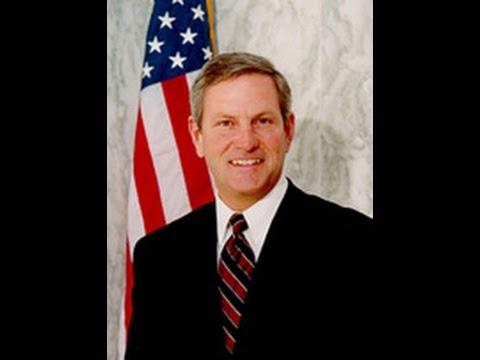 U.S. Senate Candidate Baron Hill (D) speaks at Democrats