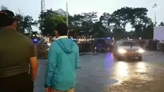 Gaya Ngevlog Sri Mulyani Sama Presiden Jokowi di Stadion Gelora Bung Karno