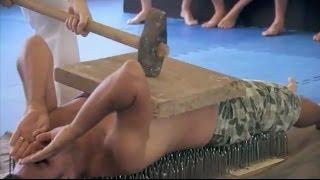 גולסטאר קראטה איך לסדר את הראש על מיטת מסמרים Golstar Bed Of Nails Karate