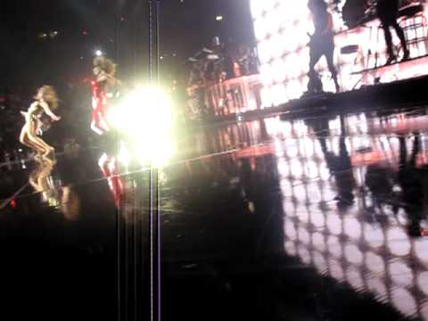 Beyonce ft. Jay-Z - Deja Vu/Crazy In Love-Give It To Me  Live @ Madison Square Garden June 21, 2009