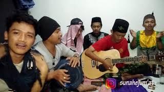 """Sholawat """"Padang Bulan"""" perkumpulan santri"""