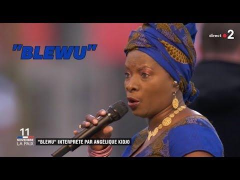 """Pour le 11 novembre, Angélique Kidjo a ému les spectateurs avec la chanson """"Blewu"""""""