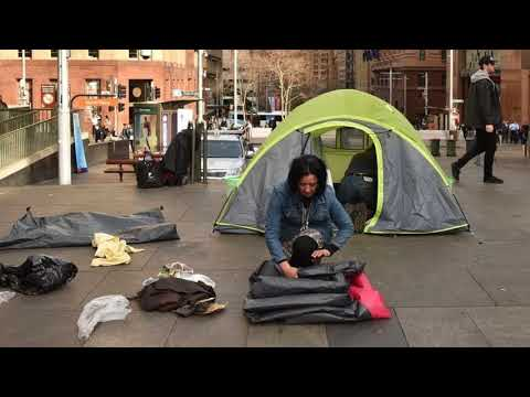 News Update Sydney tent city: Homeless people leave Martin Place after new laws 11/08/17