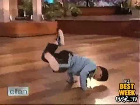 Ngoisao   Cau be 7 tuoi nhay breakdance