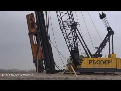 Plomp Heibedrijf | Pile Driving KOBELCO BME800HD Heistelling | Heipalen van 20 meter slaan