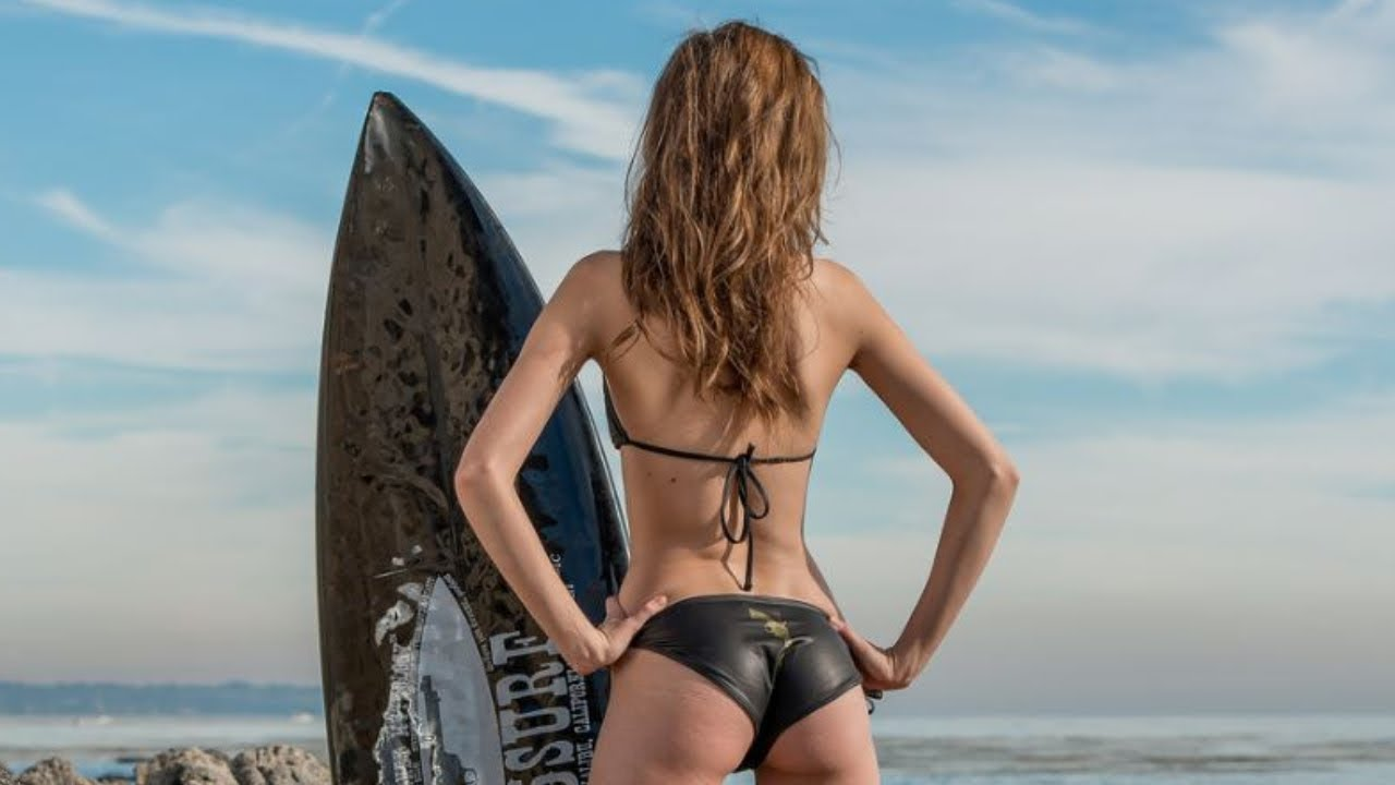 Sexy surfer girls tubes
