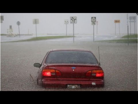 hawaii-tourist-warning:-urgent-alert-for-flash-floods-issued-for-big-island-and-maui