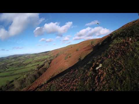 Dave Roberts Flying at Long Mynd