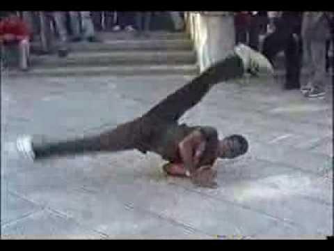 IRAN - TEHRAN - Break Dance in Park Shahanshahi (Melat)