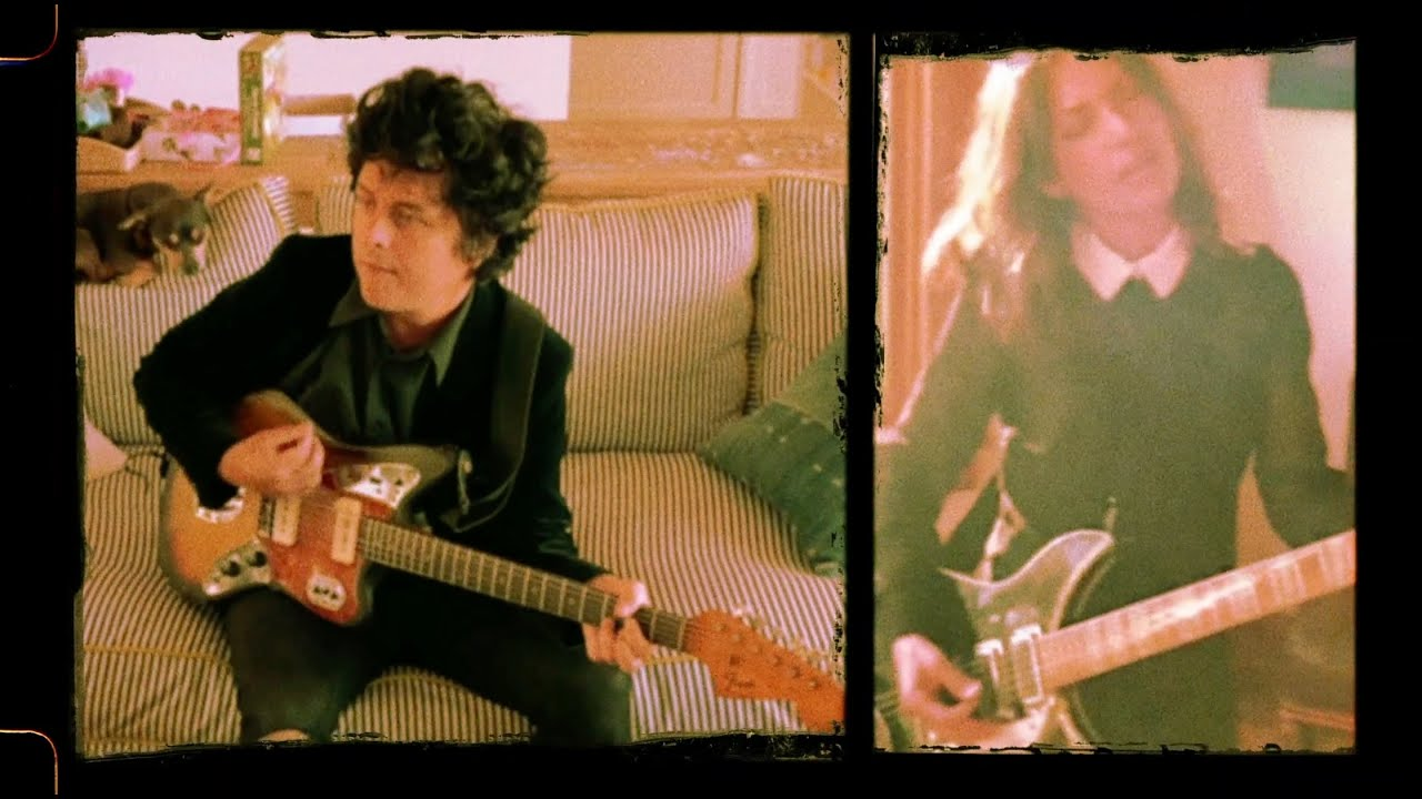 Billie Joe Armstrong traz cover de The Bangles em novo vídeo ...