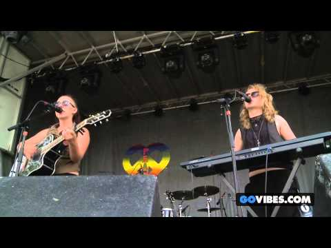 "von Grey performs ""Keep It Cool"" at Gathering of the Vibes Music Festival 2013"
